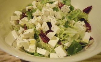 Salada com queijo de cabra