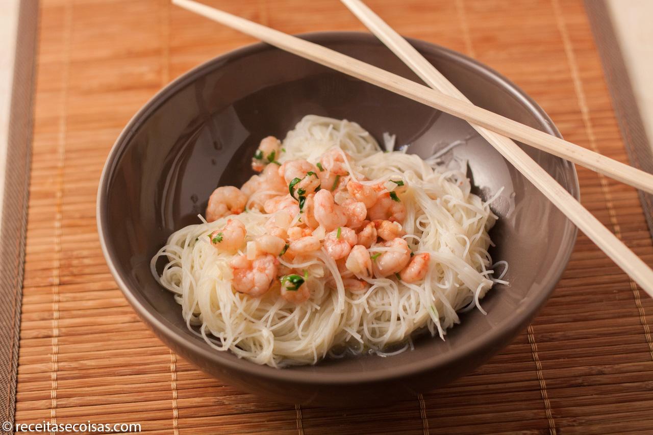Massa arroz com camarão