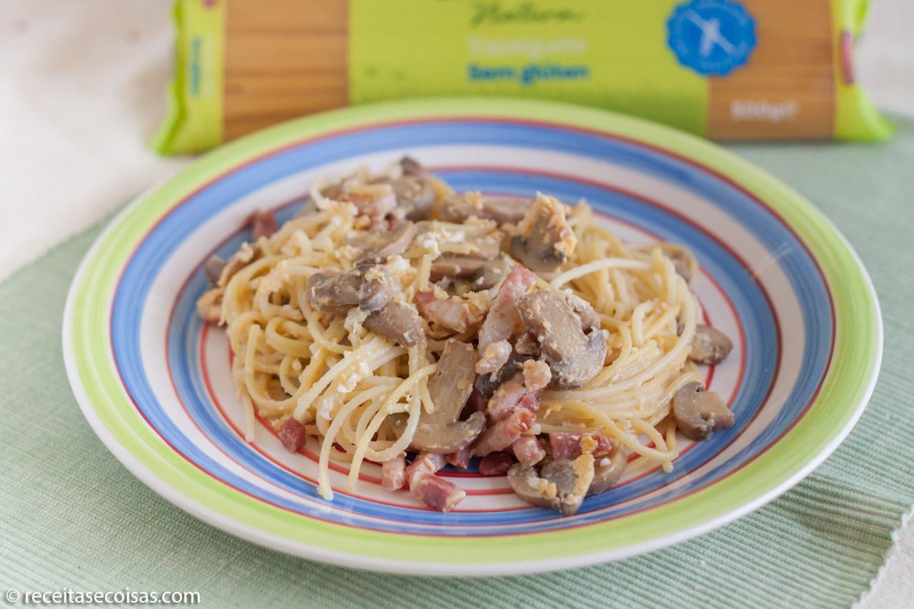 Esparguete Sem Gluten com Bacon e Cogumelos
